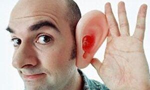 Из уха течет прозрачная жидкость: причины, лечение