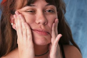 Почему развивается и как проявляется неврит слухового нерва