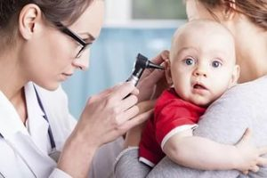 Когда болит ухо у ребенка - что делать в домашних условиях