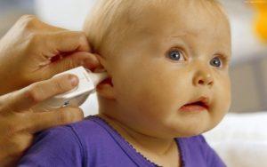 Каковы симптомы отита у ребенка
